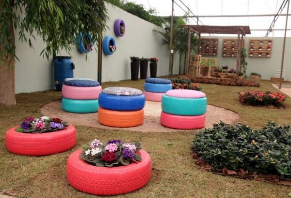 Decoração de jardim com materiais reciclados