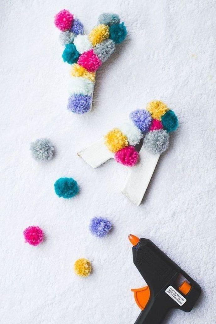 como fazer pompom de lã