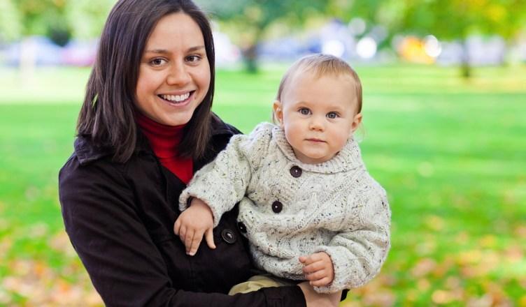 por que carregamos o bebê do lado esquerdo?