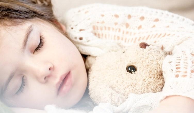 fazendo a criança dormir sozinha