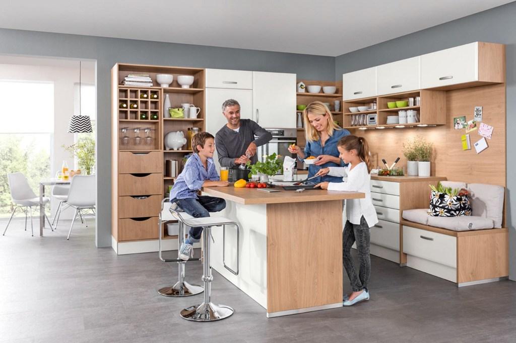 Eine moderne Küche ist ein echter Hingucker - aber genauso bedeutsam wie das Aussehen sind bei der Einrichtung die ergonomischen Aspekte.