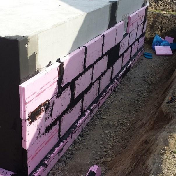 Keller mit gedämmter Wand
