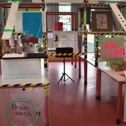 """... der sozusagen das Herzstück des Projekts ist. Derzeit haben Schüler aus der 10c dort die aufwändige Installation unter der Überschrift """"Kunst im Nationalsozialismus"""" gestaltet."""