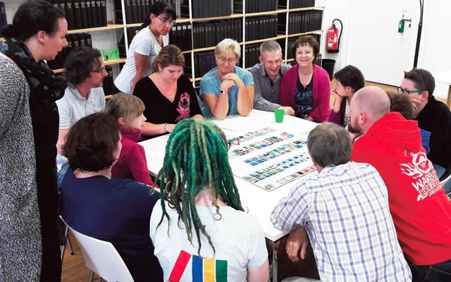 Viele Besucher beim Weltspieletag in der Stadtbücherei Baunatal