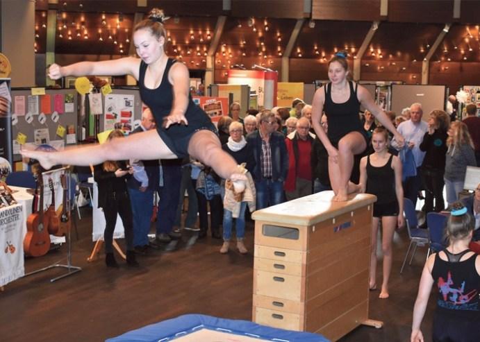 Tolle Vorführungen gab es von den Sportvereinen - hier die Turnerinnen von der GSV Eintracht Baunatal