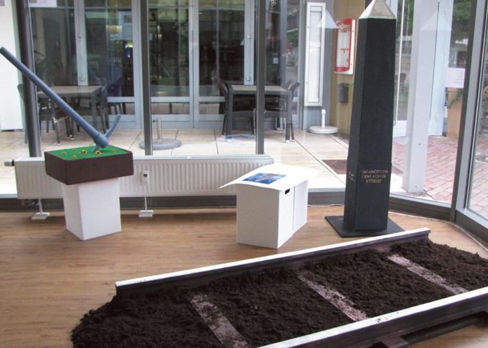 , Kunstausstellung der Theodor Heuss Schule Baunatal zum Thema documenta  in der City Baunatal