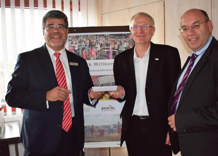 Freude über Spende für Lernpaten-Projekt im Stadtteilzentrum Baunsberg