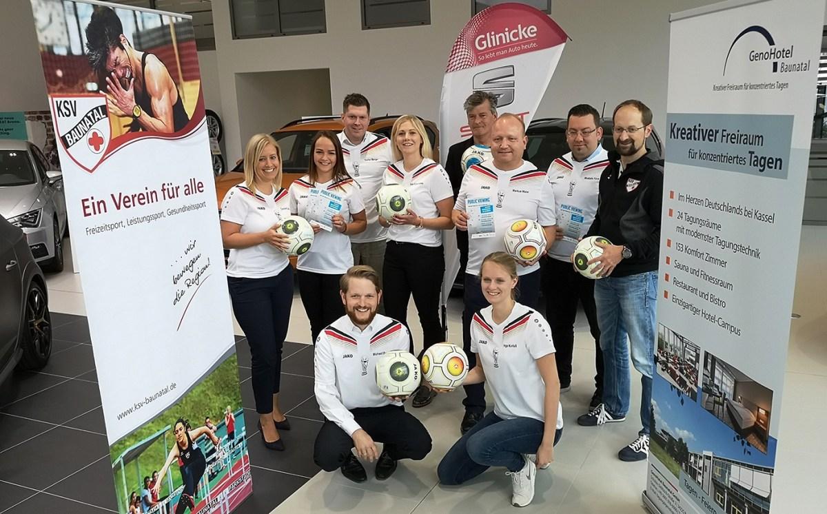 Gemeinsames Public Viewing Event zur WM im Autohaus Glinicke in Baunatal