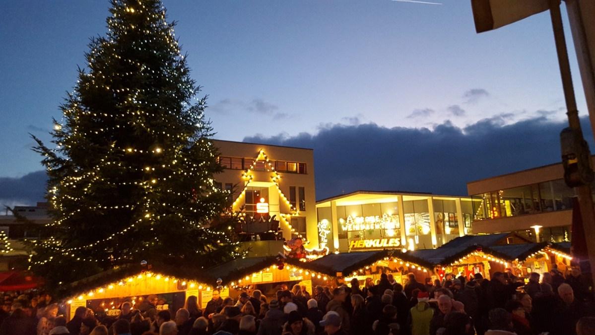 Mit Freunden und Familie in die Adventszeit starten - Nikolausmarkt in der Baunataler City!