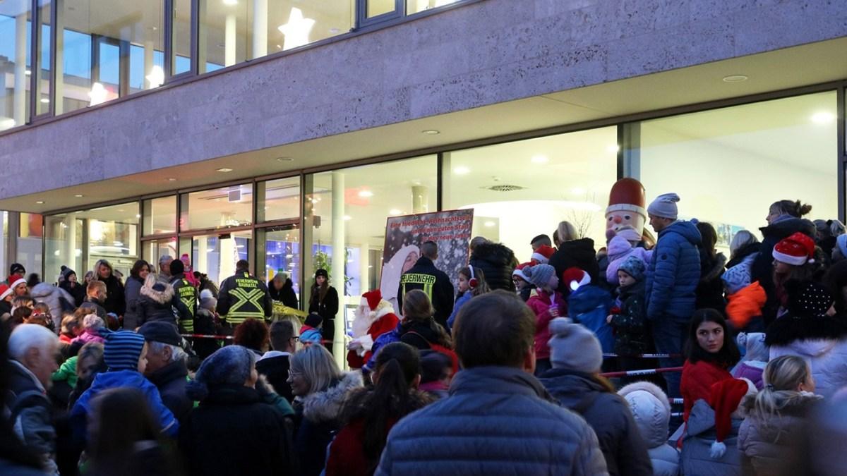 Trotz viel Regen: Nikolausmarkt Baunatal war stimmungsvoller Start in die Weihnachtszeit