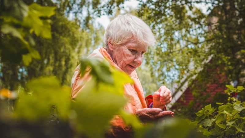 Senioren besonders gefährdet: Bitte bleiben Sie zuhause