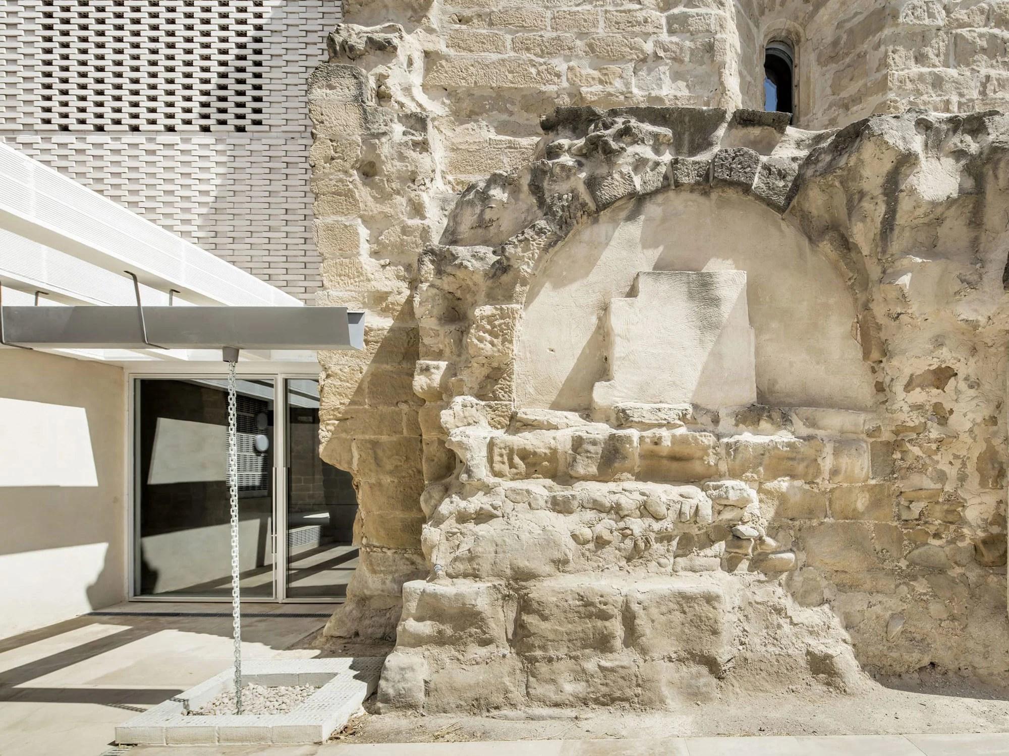Kirchensanierung in Vilanova de la Barca Mauerwerk Kultur
