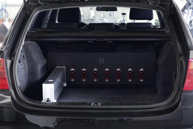 Electric-BMW-3er_Detail_Range-Extender-Einzel_1440