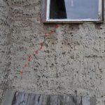 Putzrisse, schräge Risse, Bereich der Fensterbrüstung