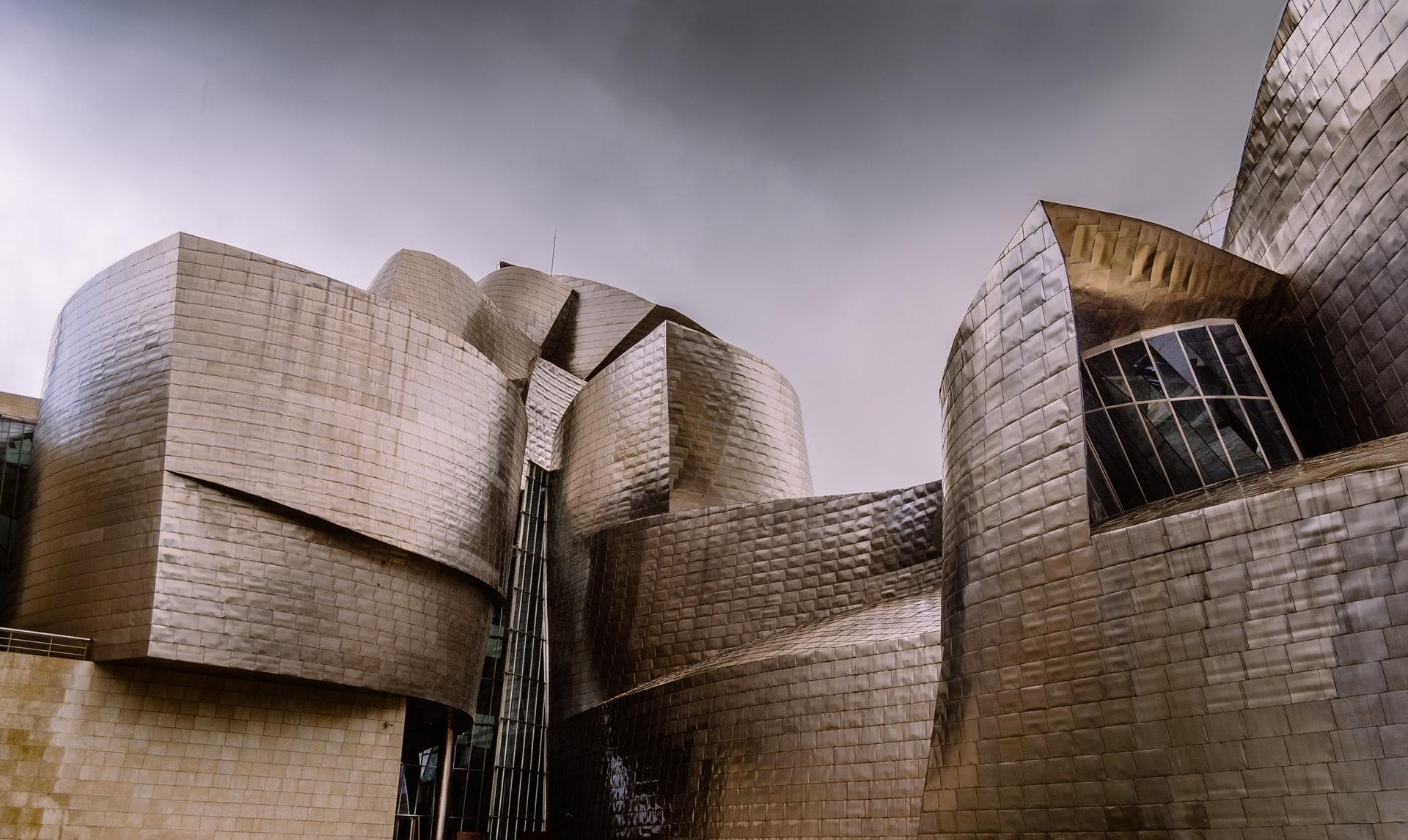 [FOTO] Znate li zbog kojeg materijala jedan od najpoznatijih muzeja svijeta može nositi titulu kameleona?