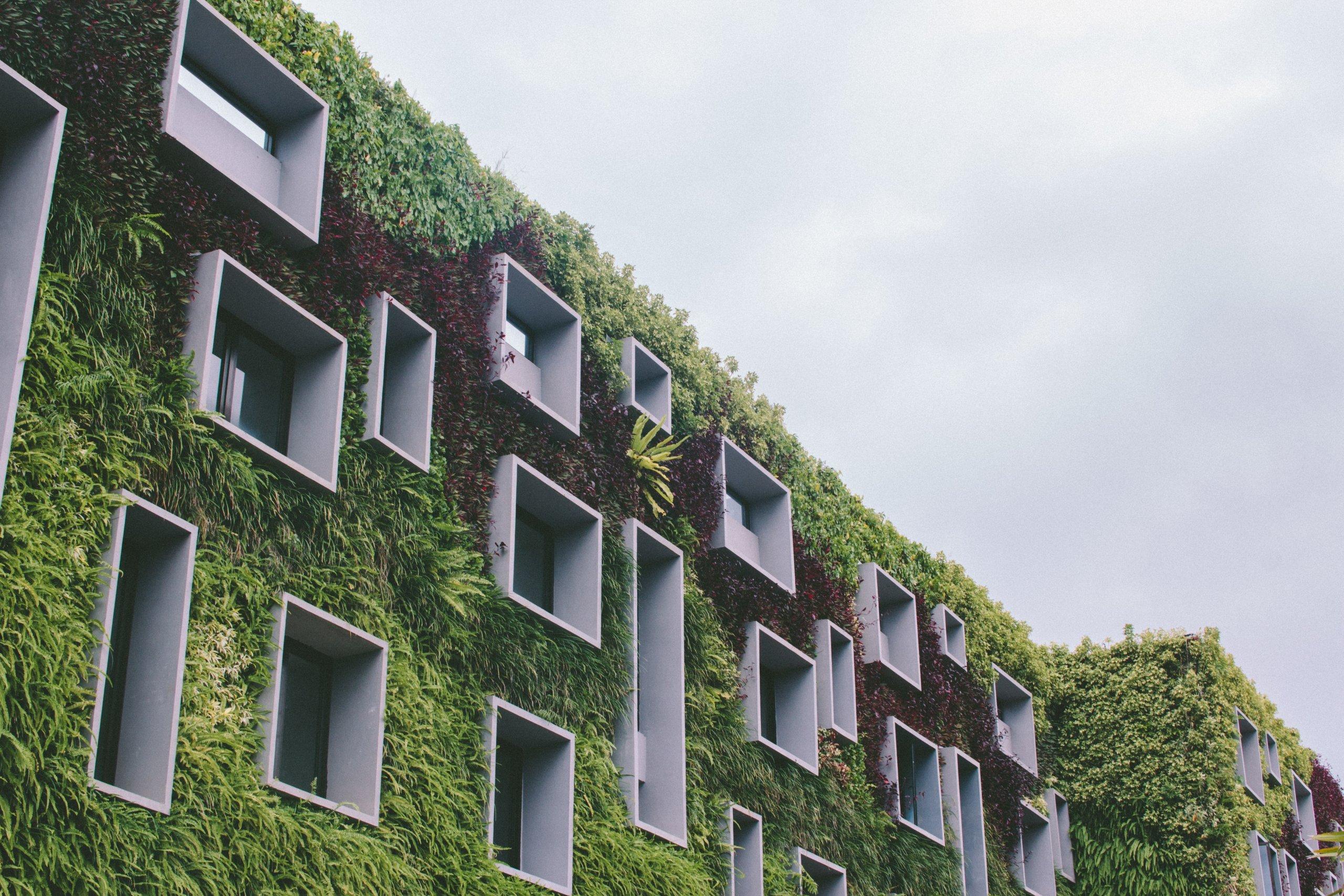 Građevinski i arhitektonski trikovi za život bez klima uređaja