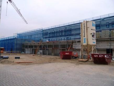 Südseite Haupteingang und Obergeschosse