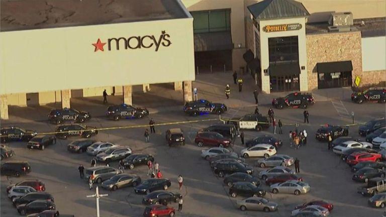 Ocho personas heridas en tiroteo en un centro comercial de Milwaukee