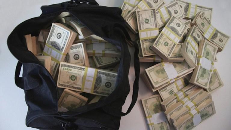 Asesinan a narcotraficante y hallan 20 mil dólares escondidos en su ropa interior