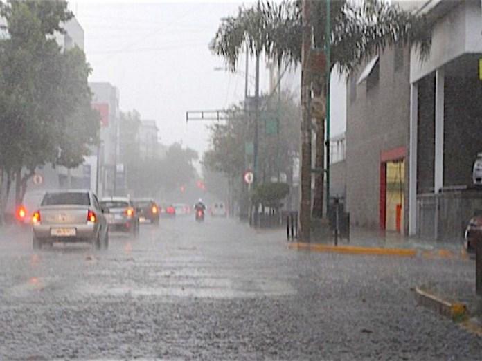 ¡Más lluvias! Pronostican chubascos por incidencia de vaguada