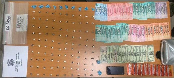 Tres detenidos por distribución de  más de 600 porciones de drogas en La Romana
