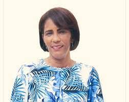 Gobernadora provincia La Altagracia visita Bávaro a entregar equipos deportivos