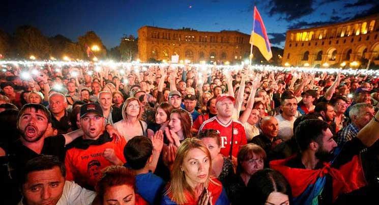 «Ռուսաստանը նույնպես ազատ կլինի»․ ռուս բլոգերի անդրադարձը երեկվա հայաստանյան իրադարձություններին