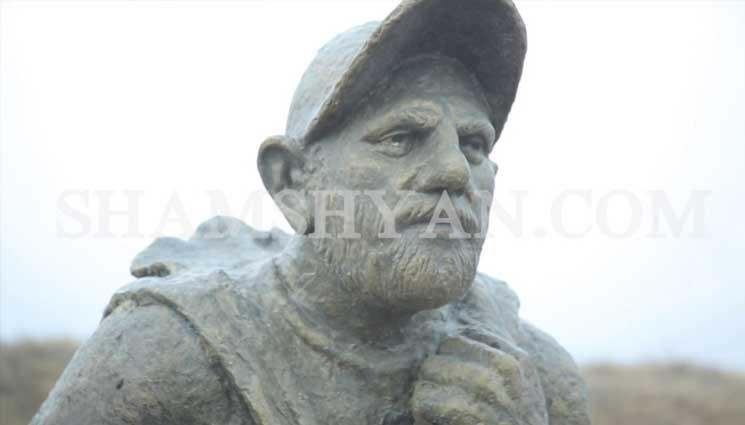Գյումրիում վնասել են Նիկոլ Փաշինյանի արձանը (Տեսանյութ)