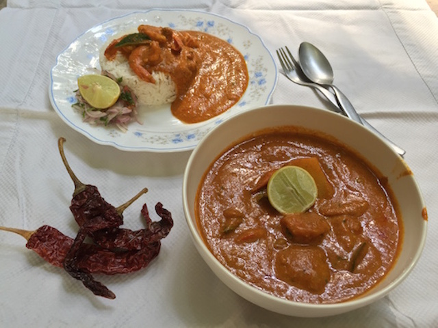 Parsi Prawn Red Curry Served