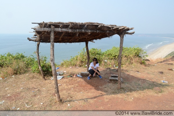 Abandoned huts on the coastal highway on the way to Ratnagiri