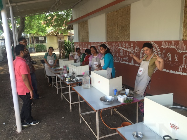 Khandeshi Cooking Class in a Farmyard