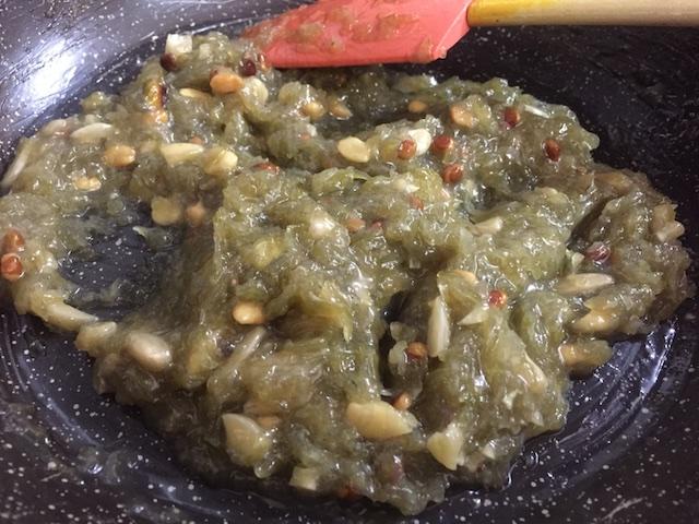 Add cream and dry fruits to Dodhi murambo
