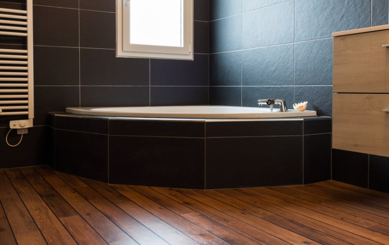 Holzboden im Bad | Bauen und Wohnen in der Schweiz