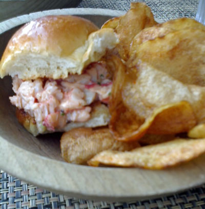 maine lobster slider with homemade chips