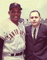 Hank Greenwald and Willie Mays (Photo)