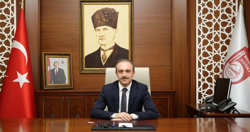 """Vali Epcim: """"Çanakkale Deniz Zaferi'nin 106. yıl dönümünü kıvanç ve gururla yâd ediyoruz"""""""