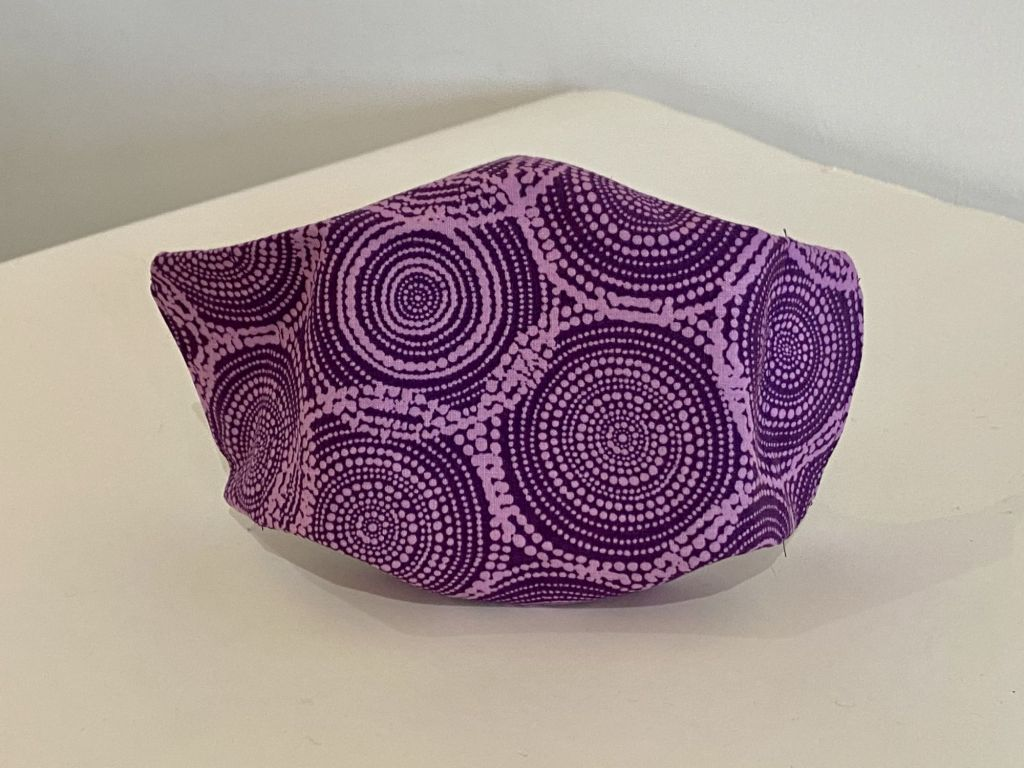 Cotton face mask with purple circles design