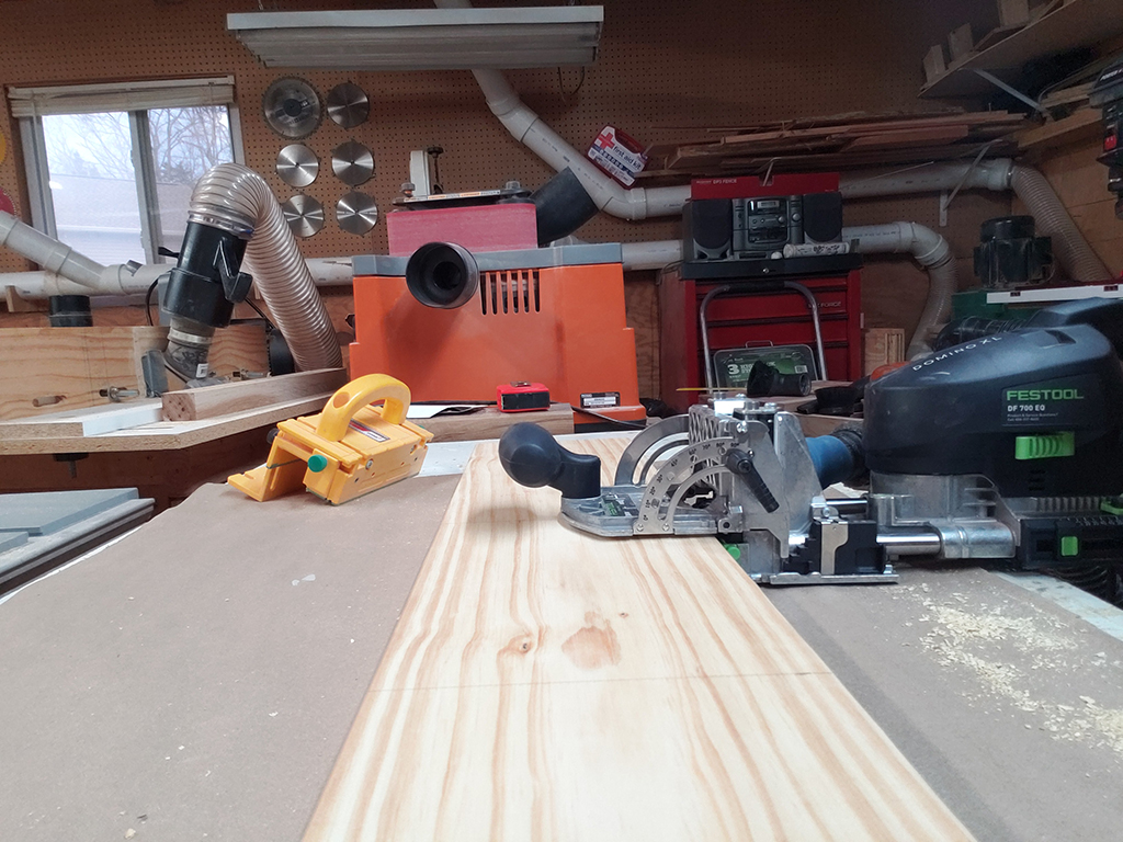 Cutting the holes with the Festool