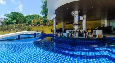 Pool Bar View 840 x 460