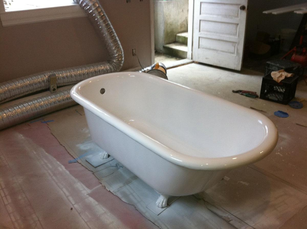 Clawfoot cast iron bathtub after refinishing - reglazing