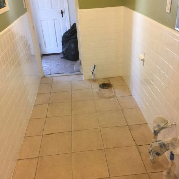 Bathroom wall tile reglazing - after refinishing to white