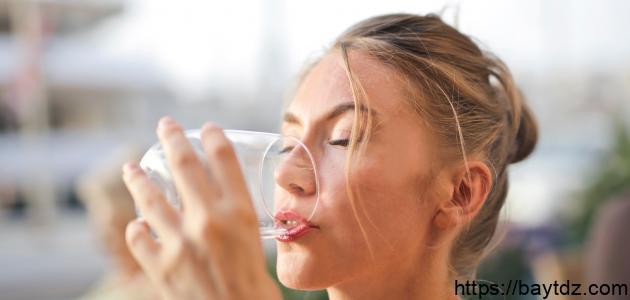 أعراض كثرة شرب الماء