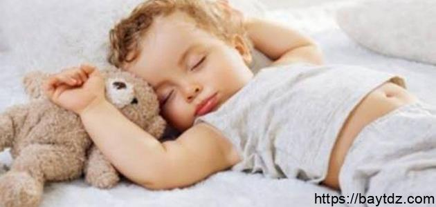 كيف أساعد طفلي على النوم لوحده