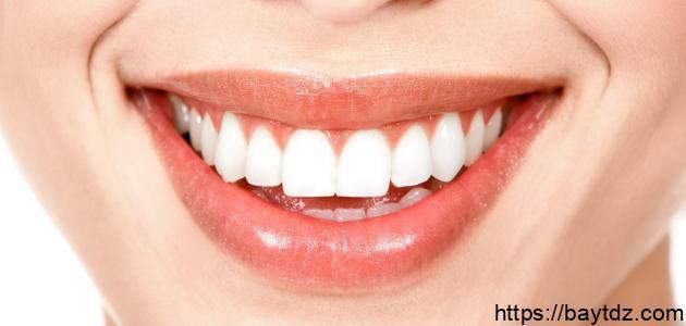 كيف تكون اسنانك ناصعة البياض