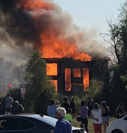 Spectacular fire rips through home in Vaughan on Saturday