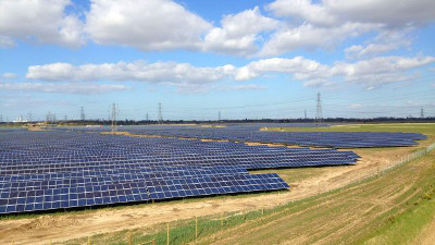 BayWa r.e. signs power purchase agreements for five solar parks in the UK