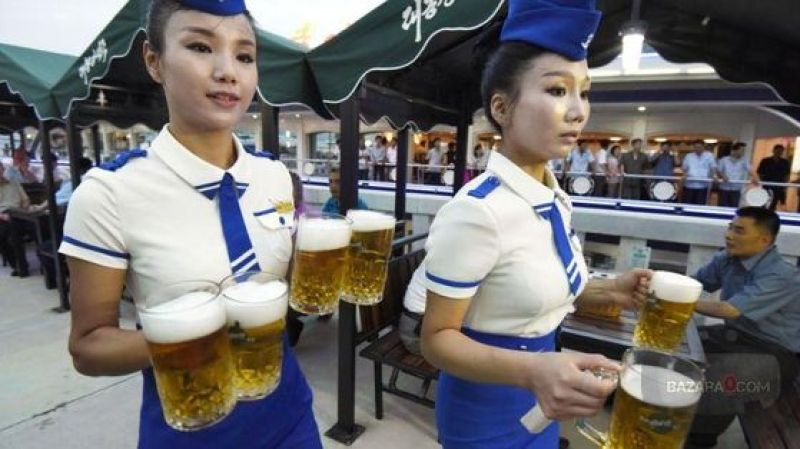 BeerFest_North_Korea_Bazara0(9)