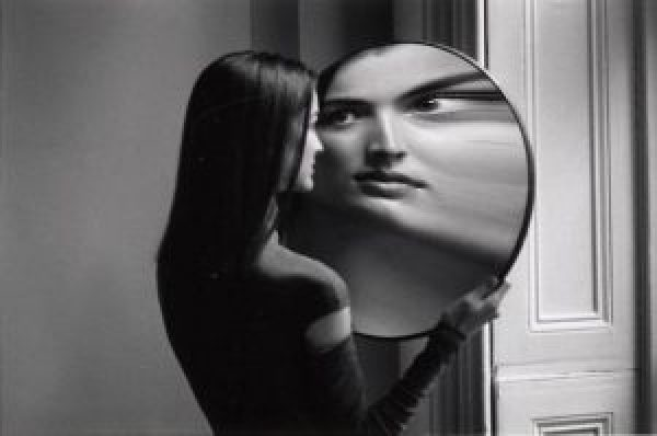 "1 Duane Michals ""Dr. Heisenberg's Magic Mirror of Uncertainty"" 1998. 300x199 - Duane Michals"