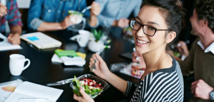 comment manger sainement au bureau grace a la livraison de repas
