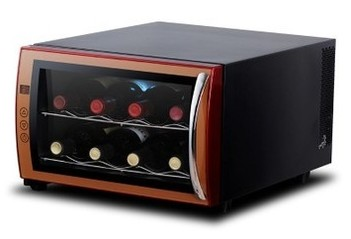Mûrir le goût du vin en utilisant une mini cave à vins non encombrante!
